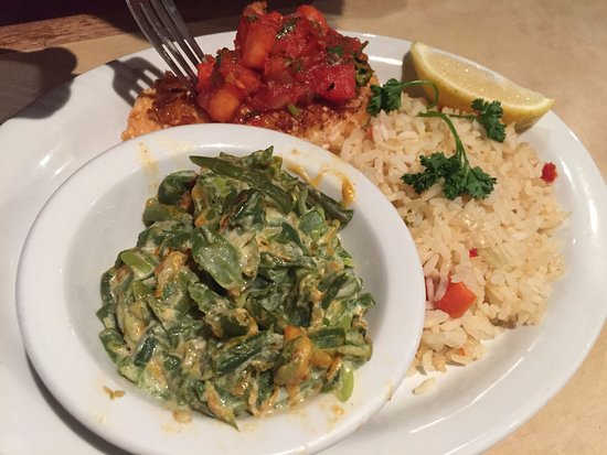 South Pasadena, Californien: Salmon with rice and veggies