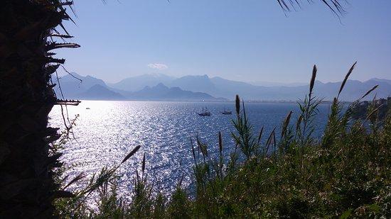 Tapas Cafe & Bistro: vista al Mediterraneo