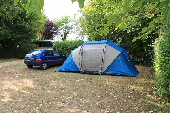 Limeray, France: emplacement tente caravane camping car