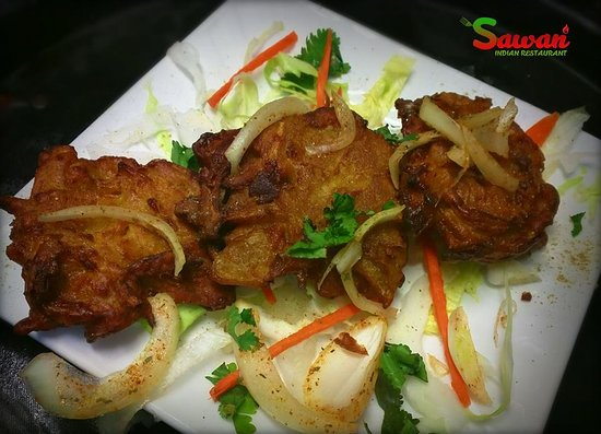 Thornleigh, Australien: Onion Bhaji Starters at Sawan