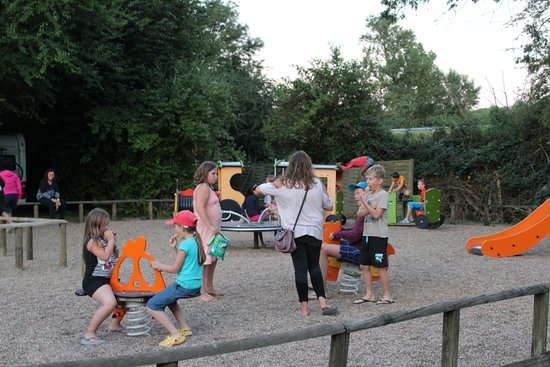 Camping le jardin botanique campground reviews limeray for Camping le jardin botanique