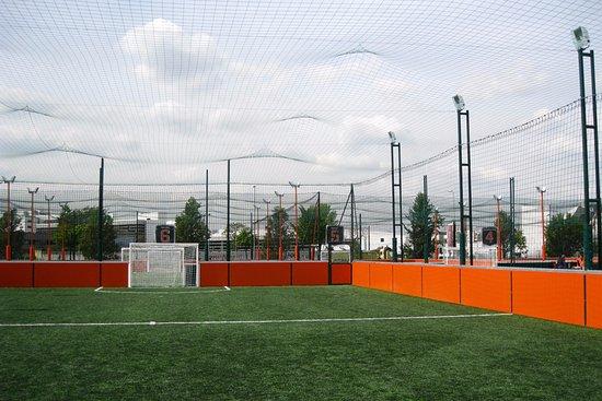 Terrain de foot outdoor à UrbanSoccer Asnières Gennevilliers