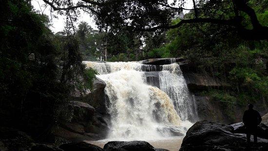 Tat Hueang Waterfall
