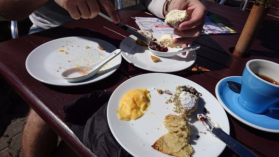 Wineglass Cafe at Edgewater: The aftermath of scones!
