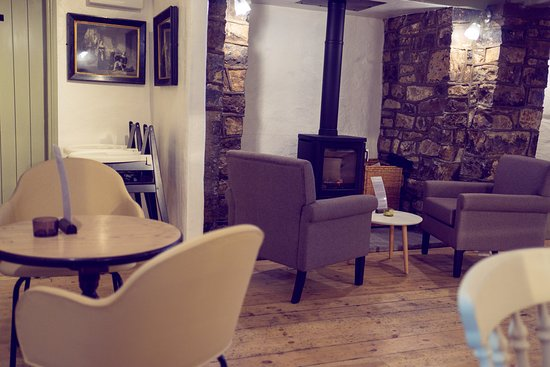 Llantwit Major, UK: Our newly refurbished dining area