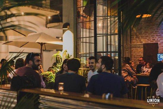 Best Rhodes Town bars - The Union Bar