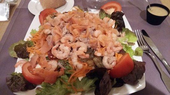 Mercure Carcassonne Porte de la Cite : Salade repas à façon
