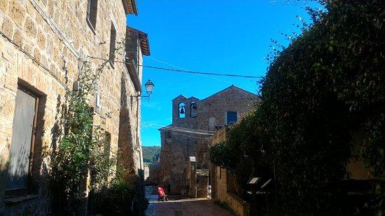 Sovana, Italia: P_20161116_105348_large.jpg
