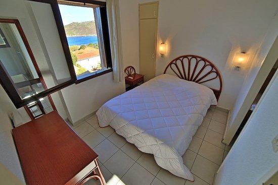 Alata, Frankreich: Chambre double avec vue sur mer en appartement