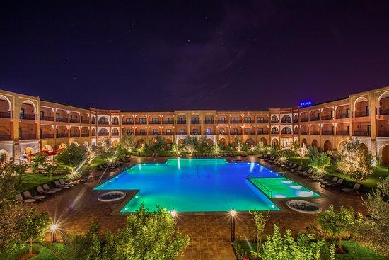 Riad Ennakhil Hotel & Spa