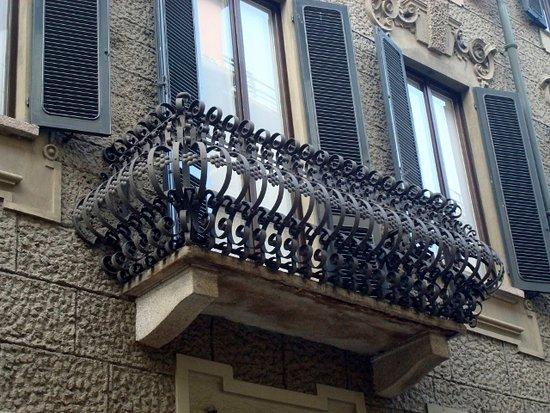 Balcone con parapetto in ferro battuto - Foto di Casa Volonteri ...