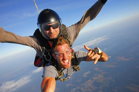Williamstown, NJ: It was FUN skydiving with CJ Koegel MTV!