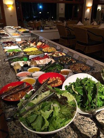 Hotel Transamerica Ilha de Comandatuba: Mesa de saladas