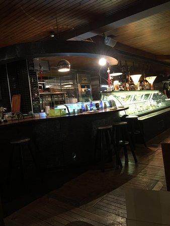 Friends Cafe : Kesinlikle Adana'nın en güzel dünya mutfağına sahip, her yemeği, her tatlısı birbirinden leziz.