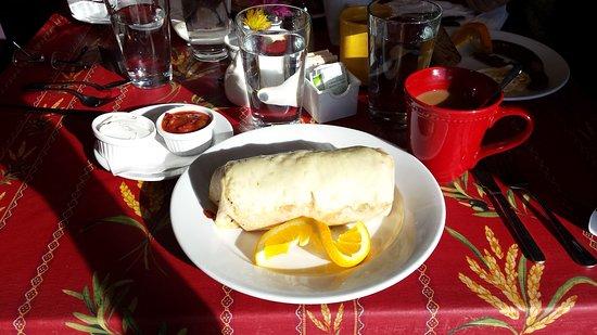 Suttons Bay, MI: Nice big breakfast burrito.