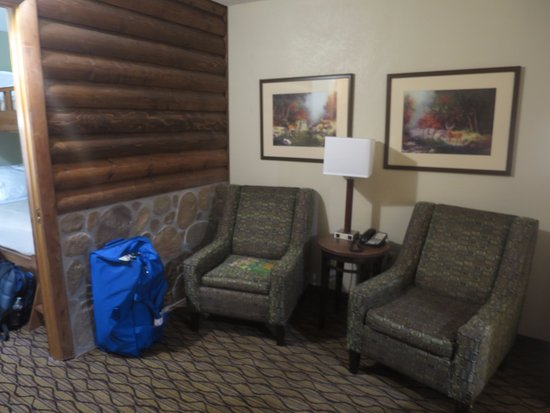 Superieur Holiday Inn Express Grand Canyon: Chairs To Watch TV