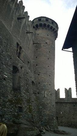 Fenis, Italia: torrioni difensivi