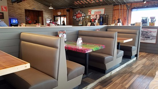 Okolona, KY: New booths and table tops