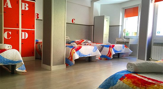Far Home Hostel: 4 bed mixed room
