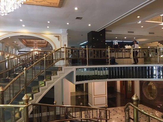 The Tawana Bangkok: Floor 9 Standard Room