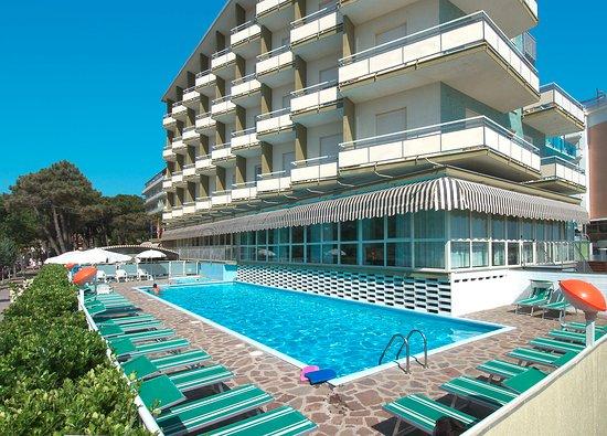 Family beach resort lido cervia milano marittima italien omd men tripadvisor - Bagno sauro cervia ...
