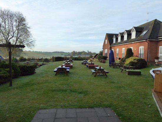 Meriden, UK: view from window on way to restaurant