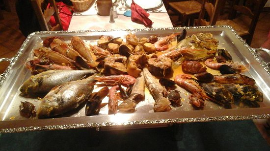 Bouches-du-Rhone, Francia: Voici les différentes poissons que le on a manger lors de la bouillabaisse.