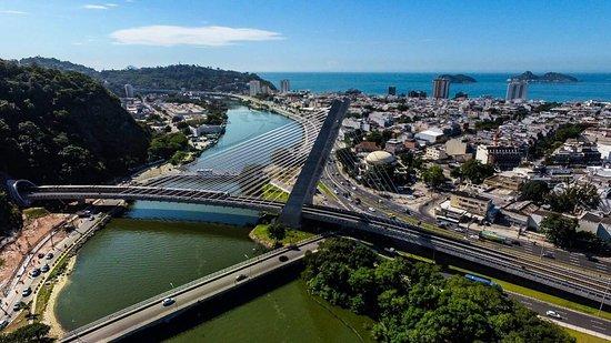 Hotel Serramar: Estamos localizados muito perto da nova estação de metrô da Linha 4 - Barra da Tijuca