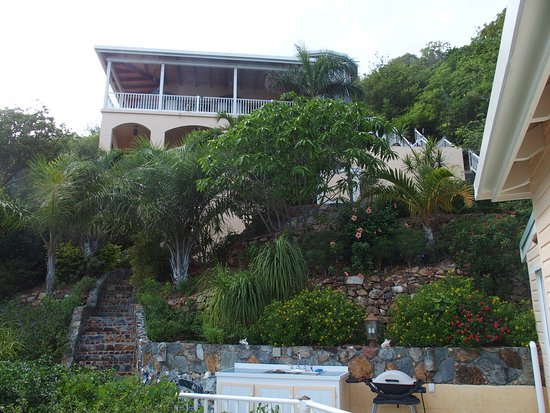 House of Open Arms : View of the villa from the cottage.