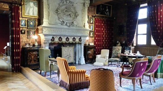 Azay-le-Rideau, Francia: Très beau salon au rez-de-chaussée