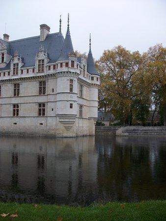 Azay-le-Rideau, França: Château et ses reflets