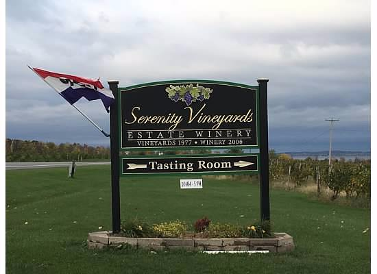 Penn Yan, NY: Serenity Vineyards