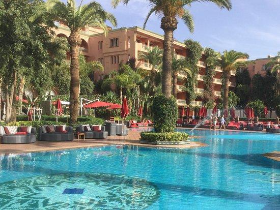 Excelente hotel em Hivernage, bem no centro de Marraqueche. Tem uma piscina exterior aquecida que é uma delícia