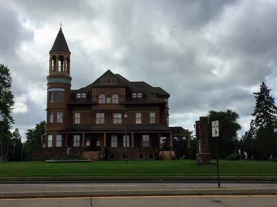 Superior, WI: Fairlawn Mansion