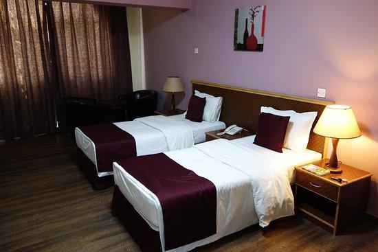 무트라 호텔