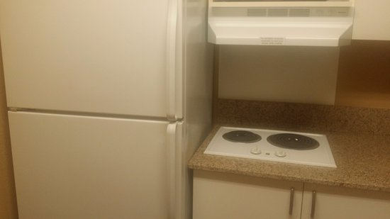 Extended Stay America - San Diego - Hotel Circle : Kitchen