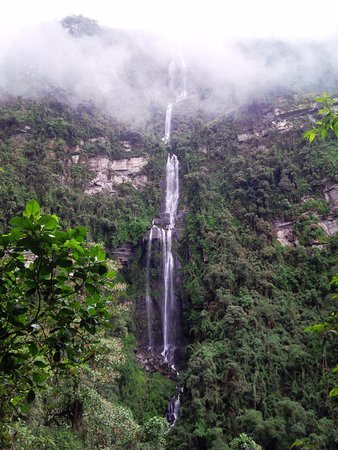 "Bogotravel Tours: HIKING TOUR TO ""LA CHORRERA""  WATERFALL"