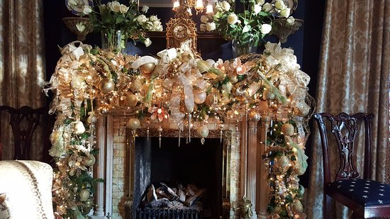 Christmas Decor | Ballastone Inn | Savannah GA