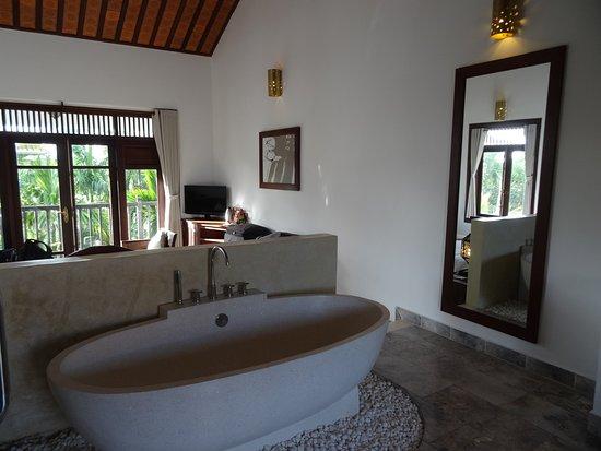 coin salle de bains si atypique Picture of Hoi An Ancient House