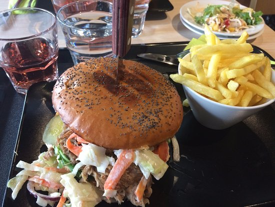 Joensuu, Finland: Pulled pork burger and chips