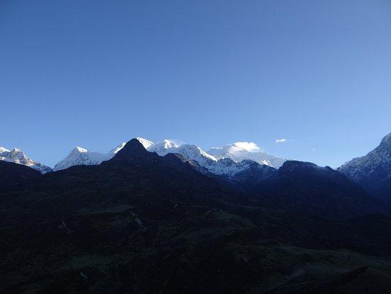 Dzongri La