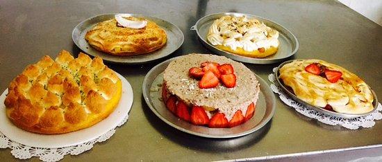 Pancito Cafe: Reposteria Francesa: Fraisier,Citron Meringue,Mangue Coco, Citron et Fraise Flambe. Por Pociones