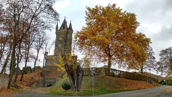 Dillenburg, Alemania: Vista da torre e do jardim