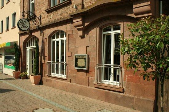 Amorbach, Niemcy: Aussenansicht vom Café Bilz