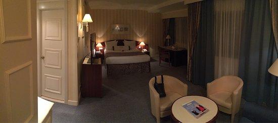 Le Chatelain Hotel: photo0.jpg