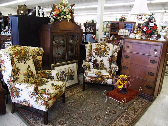 Powell, TN: Vintage Furniture