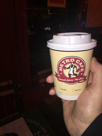 Metro Cafe: ...nice service...good coffee...😃