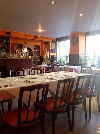 Tables Bild Von Nepal Haus Berlin Tripadvisor