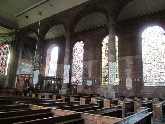 ‪‪Whitchurch‬, UK: St Alkmund's Interior‬