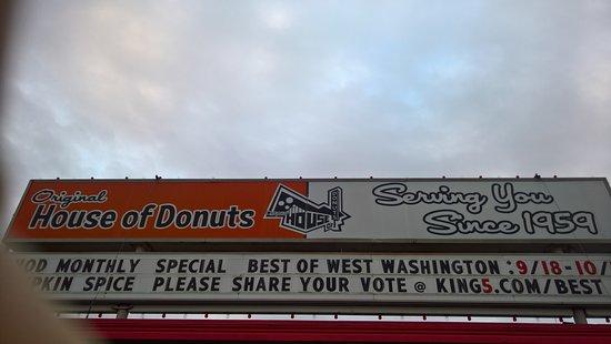 Lakewood, WA: House of donuts